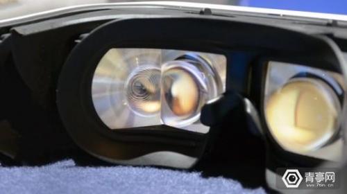 松下VR头盔体验手记:四块屏幕,220度视场角有多酸爽?