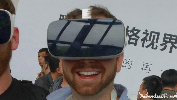 华为VR评测:外形酷似三星Gear 缺乏内容支持