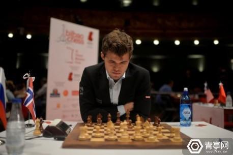 Norwegian world chess champion Magnus Carlsen plays against Russian grandmaster Sergey Karjakin during the IX Chess Masters Final in Bilbao