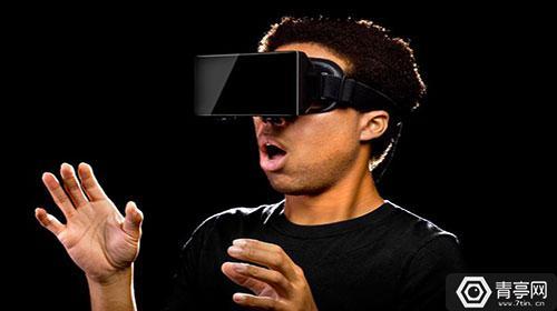 视频 | 第一次玩VR有多囧?尖叫不够表情来凑!