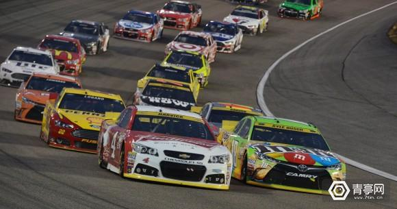 635838232834419025-2015-11-22-NASCAR6