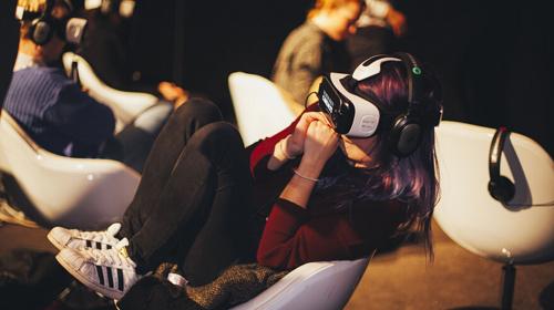 VR两年大轮回:裁员、欠薪、倒闭相继而来?