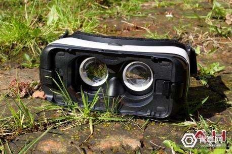 Samsung-Gear-VR-TD-AH-6-1600x1065