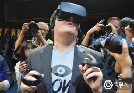 Palmer-Luckey-Stevie-Wonder-Oculus-Rift1