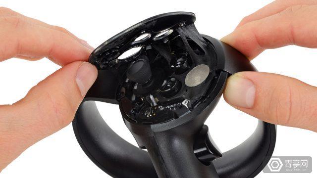 把Oculus Touch拆了!比Vive控制器更精细?