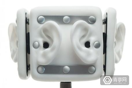 Omni-2-360-microphone-768x512