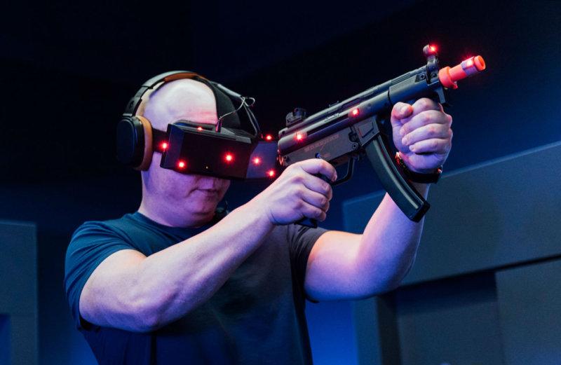 "Oculus投资人:VR企业如何熬过2017年""行业拐点""?"