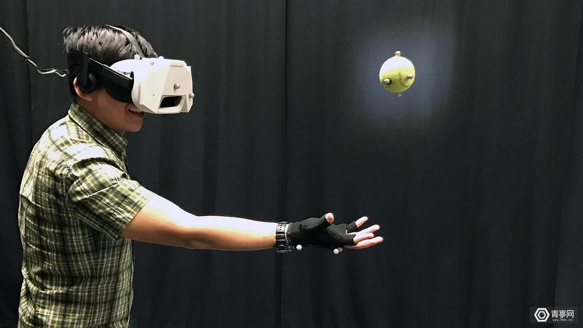 迪士尼最新研究让你在VR里接住小球,成功率95%