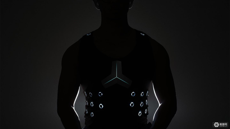 """构建人类新感观,这个马甲能让聋人""""听""""见"""
