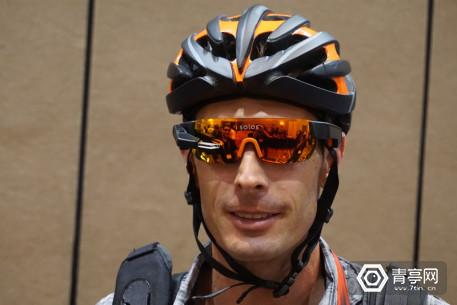 Kopin-Solos-heads-up-display-cycling-sunglasses-wearing01
