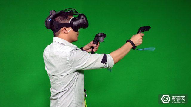 无线VR方案将在2018年初推出!英特尔携手HTC进入VR无线时代
