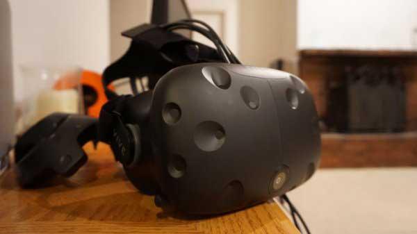 不只有Vive 2!HTC还在开发你买得起的VR头盔!