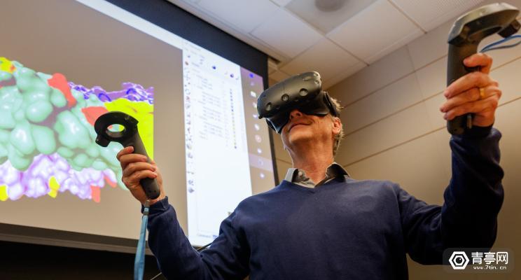 比尔盖茨迷上VR了,亲自撰文称VR在医疗领域大有可为