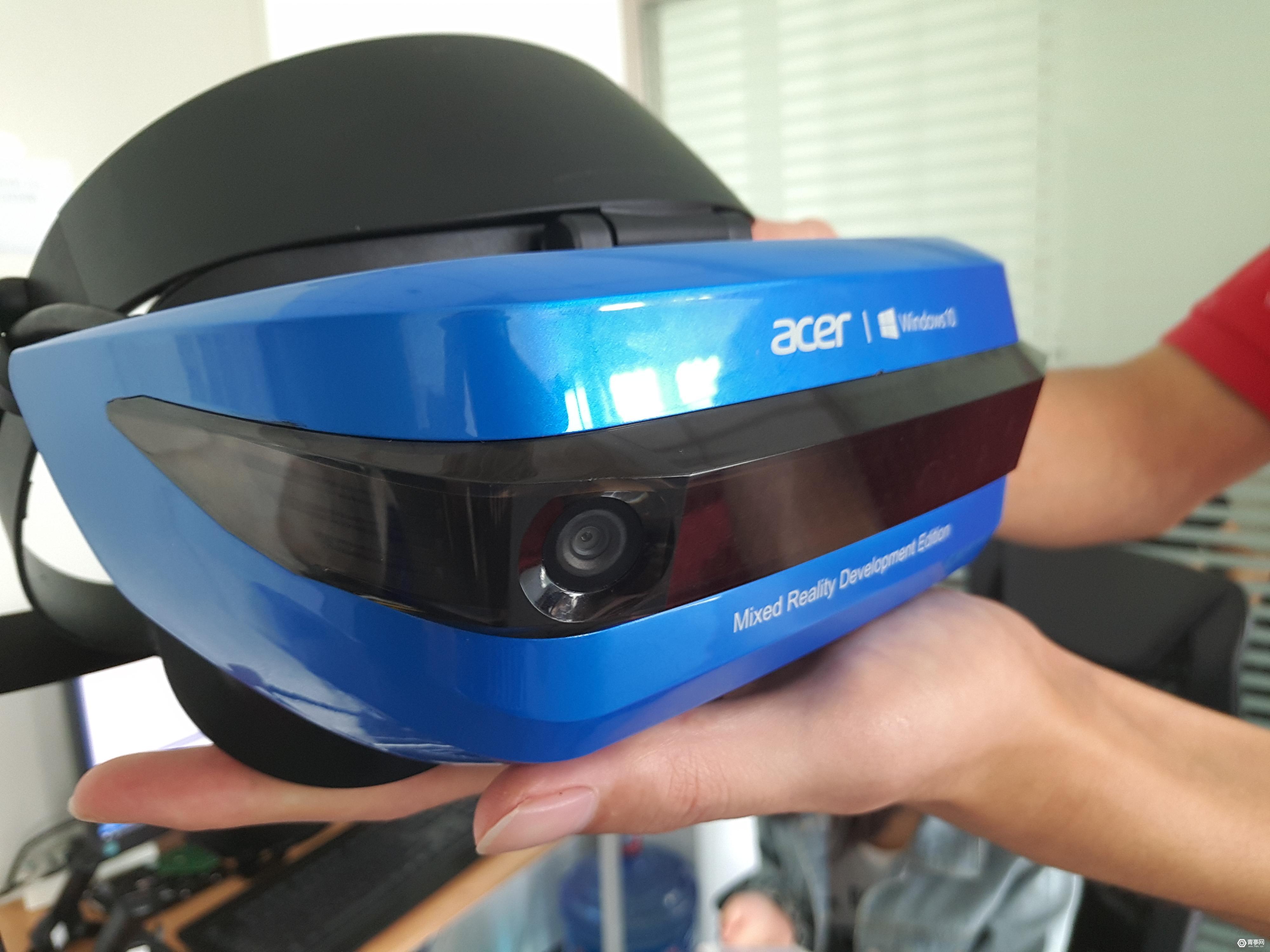 我们把三款微软系VR头显和手柄都玩了一遍,所有的细节都在这儿了