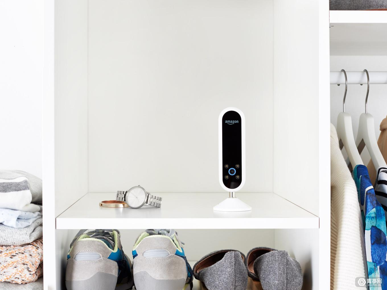 echo-look-closet-shelf