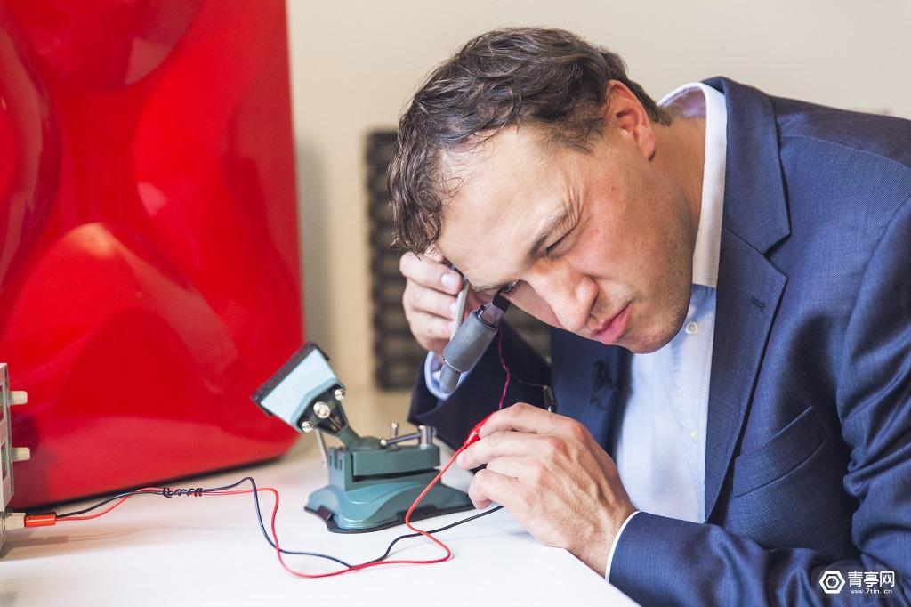 解决工人痛点,德国教授用SLS 3D打印制作AR眼镜,靠谱吗?