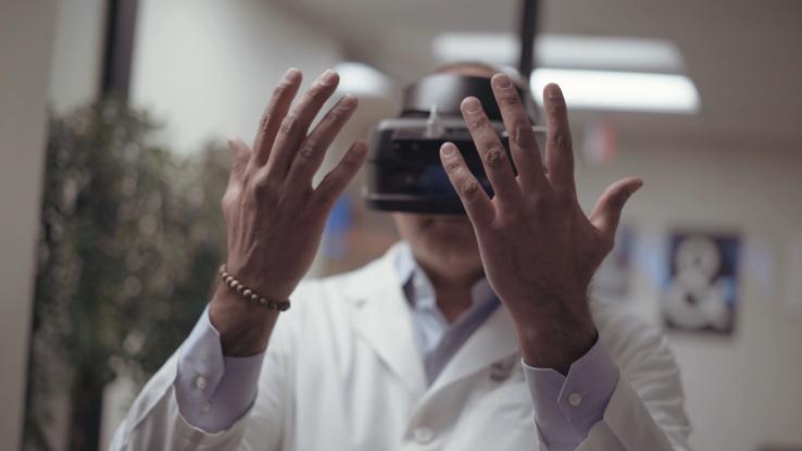 高通展示了一套VR医学软件,用于帮助诊断中风症状