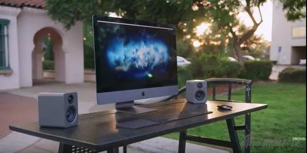 苹果最新版Mac电脑即将开售:不仅支持VR头显,还能吃鸡