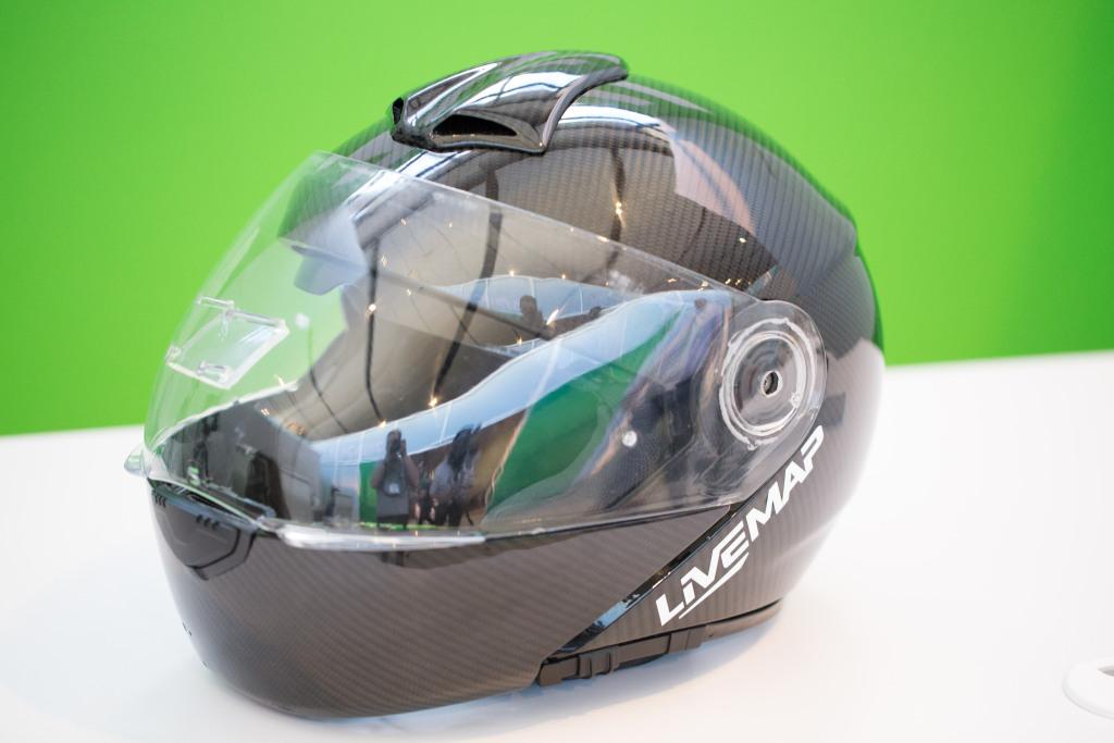 LiveMap展示AR摩托车头盔最新原型,内置小型投影机