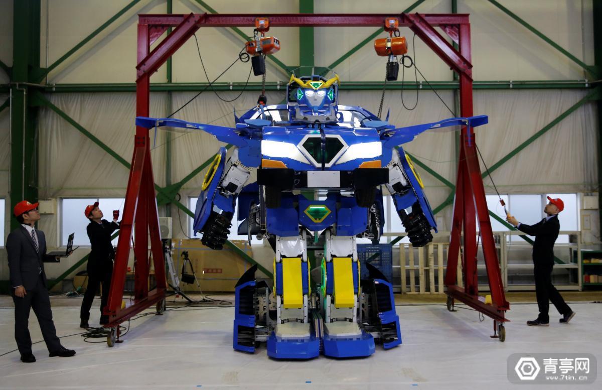 """可变身跑车,现实版""""变形金刚""""机器人来了"""