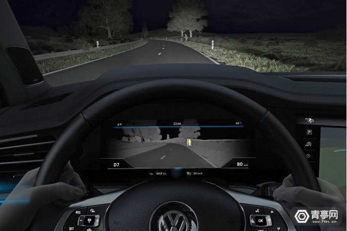 """大众新型热成像摄像头可以让司机""""看穿""""黑暗"""