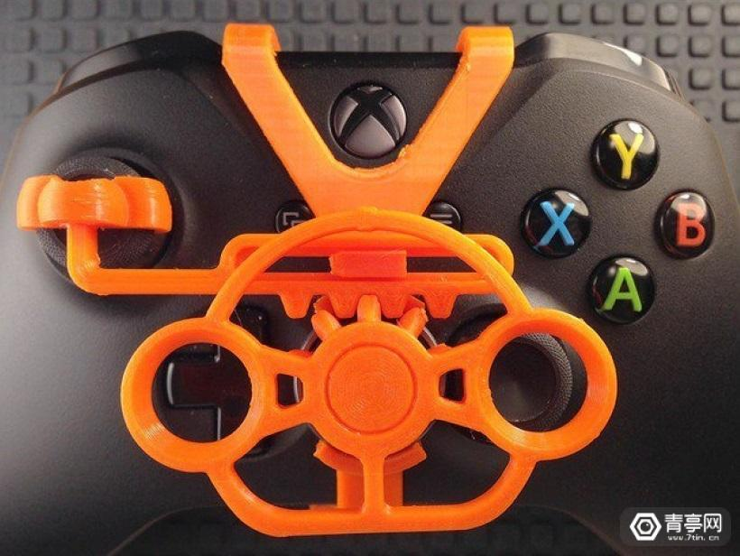这个3D打印配件,让Xbox One手柄变身迷你方向盘