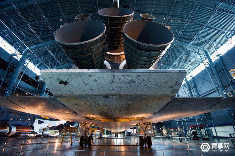 纪念发现号发射34年,谷歌推出8K全景视频展示飞船内部