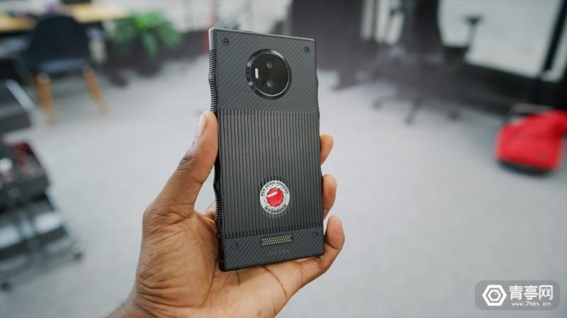 Red Hydrogen One 全息手机