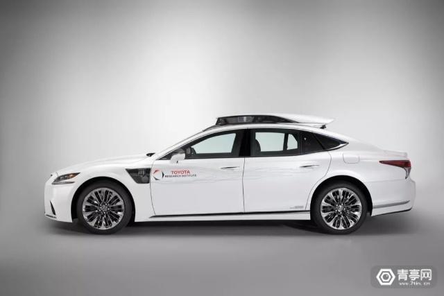 丰田发布雷克萨斯自动驾驶汽车TRI-P4