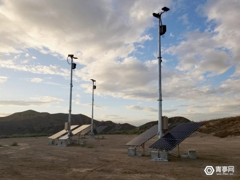 lattice-towers-mesh-communication