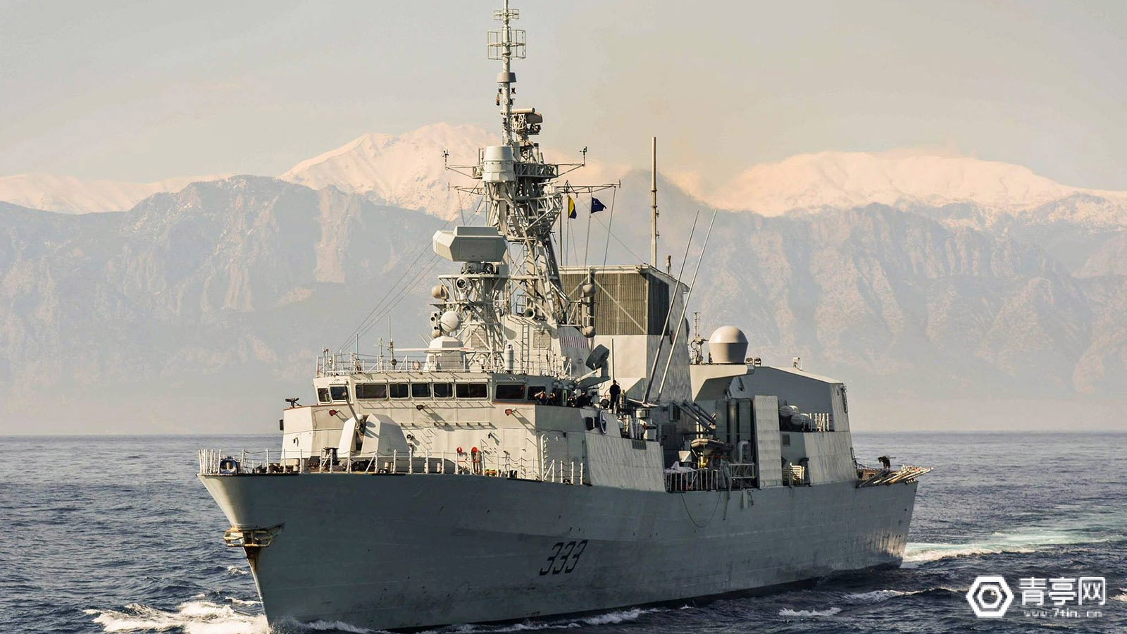 加拿大皇家海军用HoloLens进行船舶维修