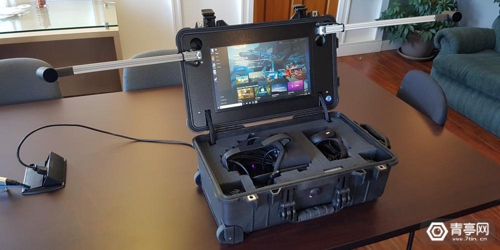 Iris给Oculus Rift打造了一个旅行箱PC套件