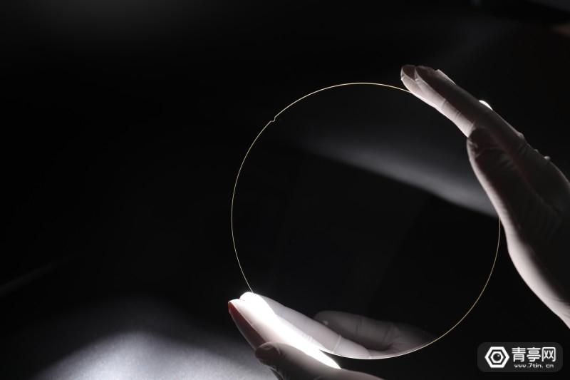 肖特RealView 高折射率玻璃晶圆 schott-realview-glaswafer-5472x3648-10052019