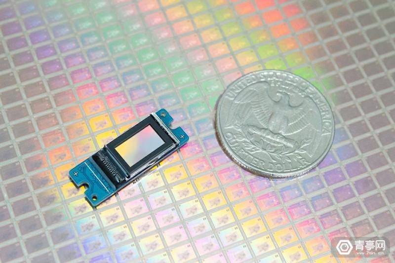 展示最新的0.37英寸1080p LCOS微显示面板RDP370F