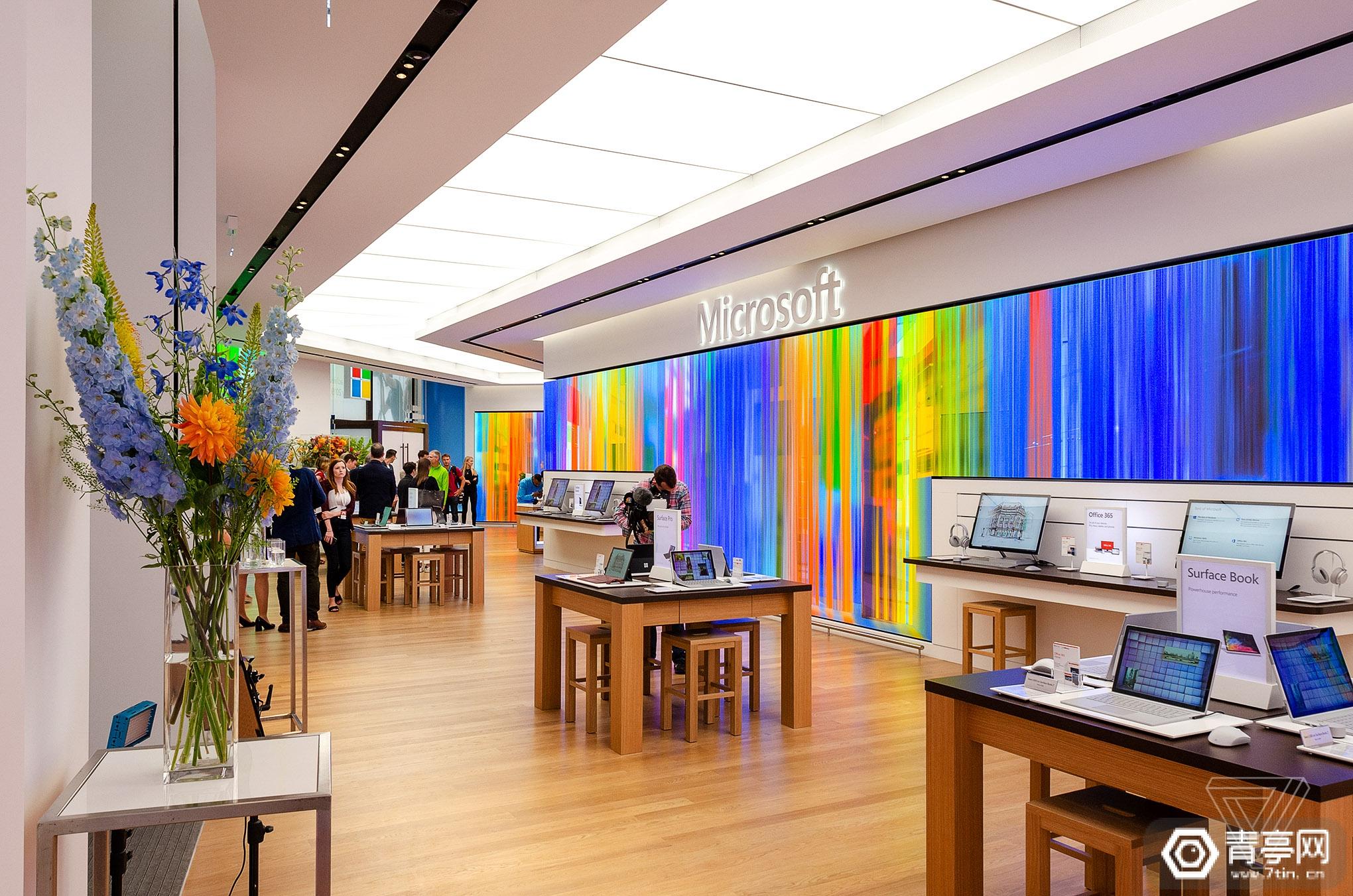 微软欧洲首家零售店开业,设立HoloLens 2企业解决方案展示区