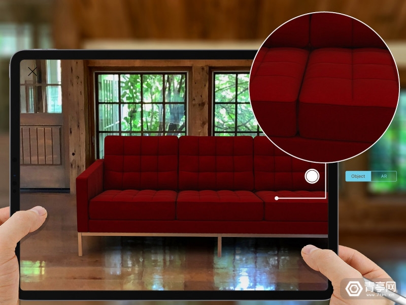 Morpholio-Board-AR_03_insitu_07_Knoll_Florence-Knoll-Couch