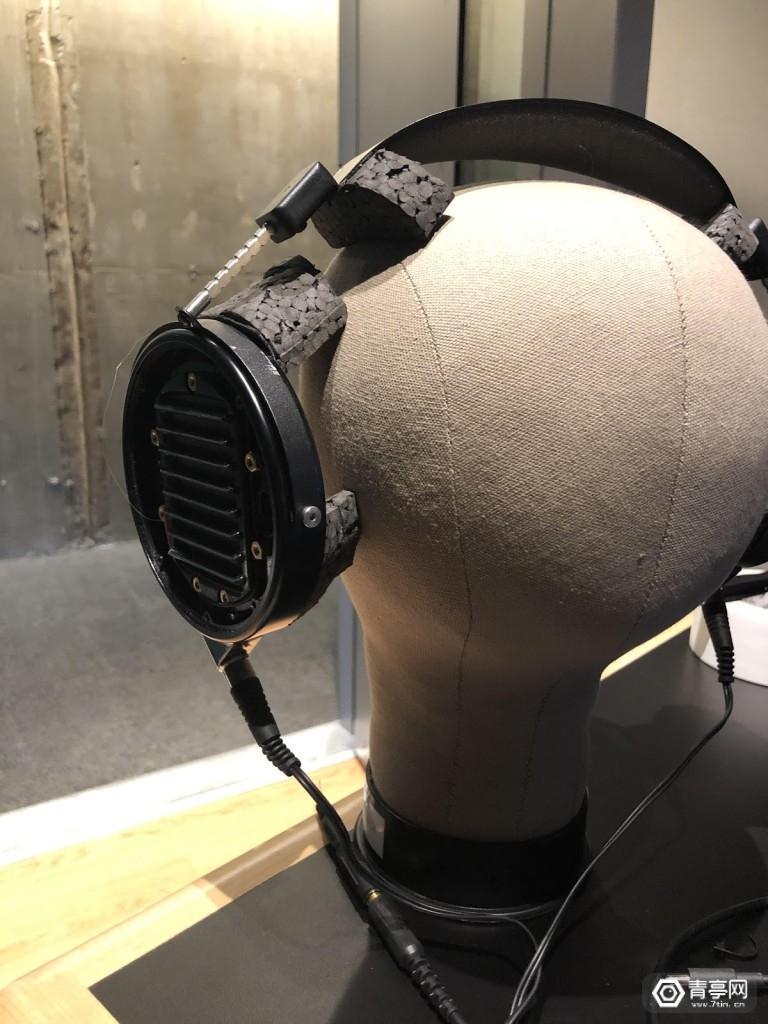 speakers03
