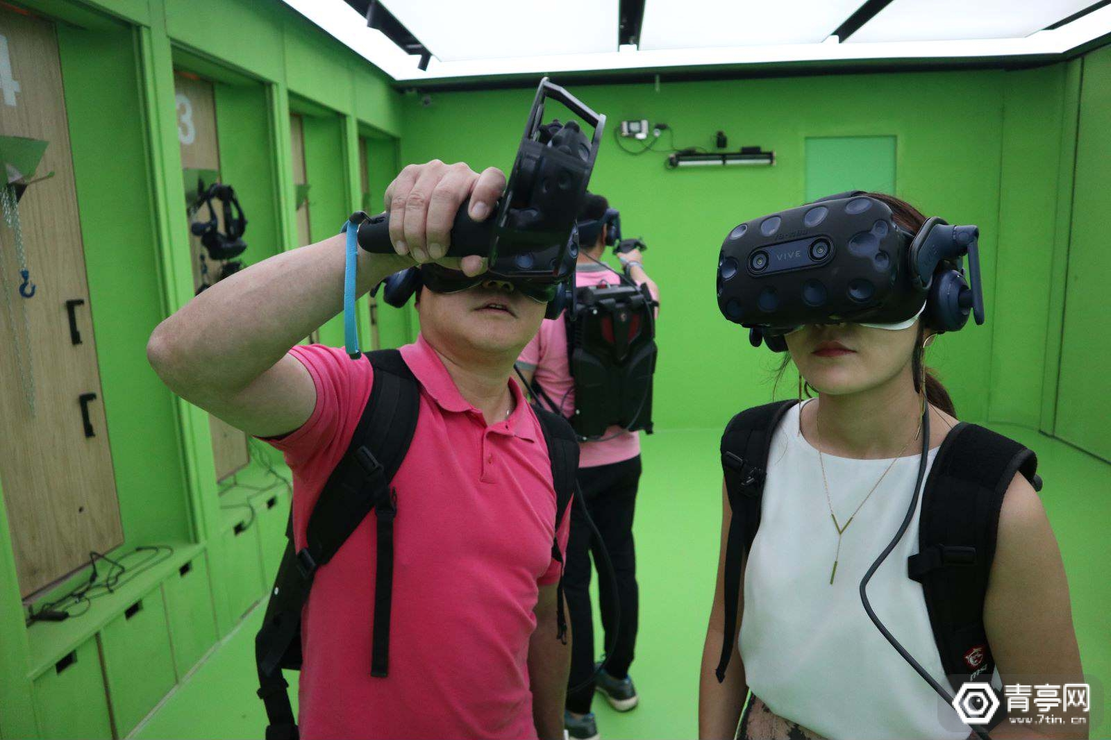 """游幕YOMOV:用""""沉浸式互动电影""""的方式打造VR体验店"""