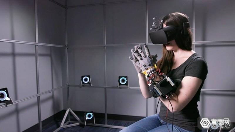【Facebook三项新VR专利曝光,展示多种不同原理力反馈手套】图1