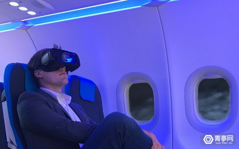 vr-inflight-experience-relaxed-passenger-high-satisfaction-800x500