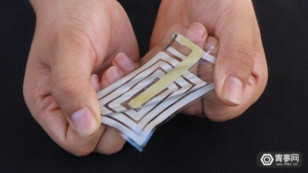 斯坦福研发可附着皮肤的弹性传感器,可追踪佩戴者生命体征