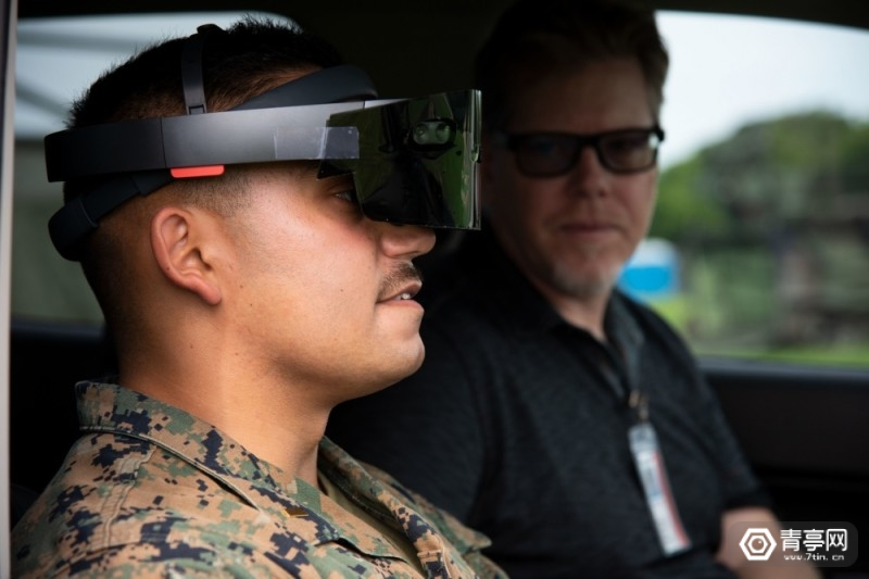 美海军用HoloLens探测射频信号图2