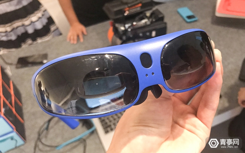 0glasses发布AR眼镜:RealX (16)