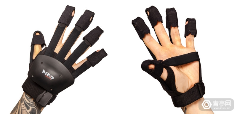 BeBop Sensors Forte Data Glove 4