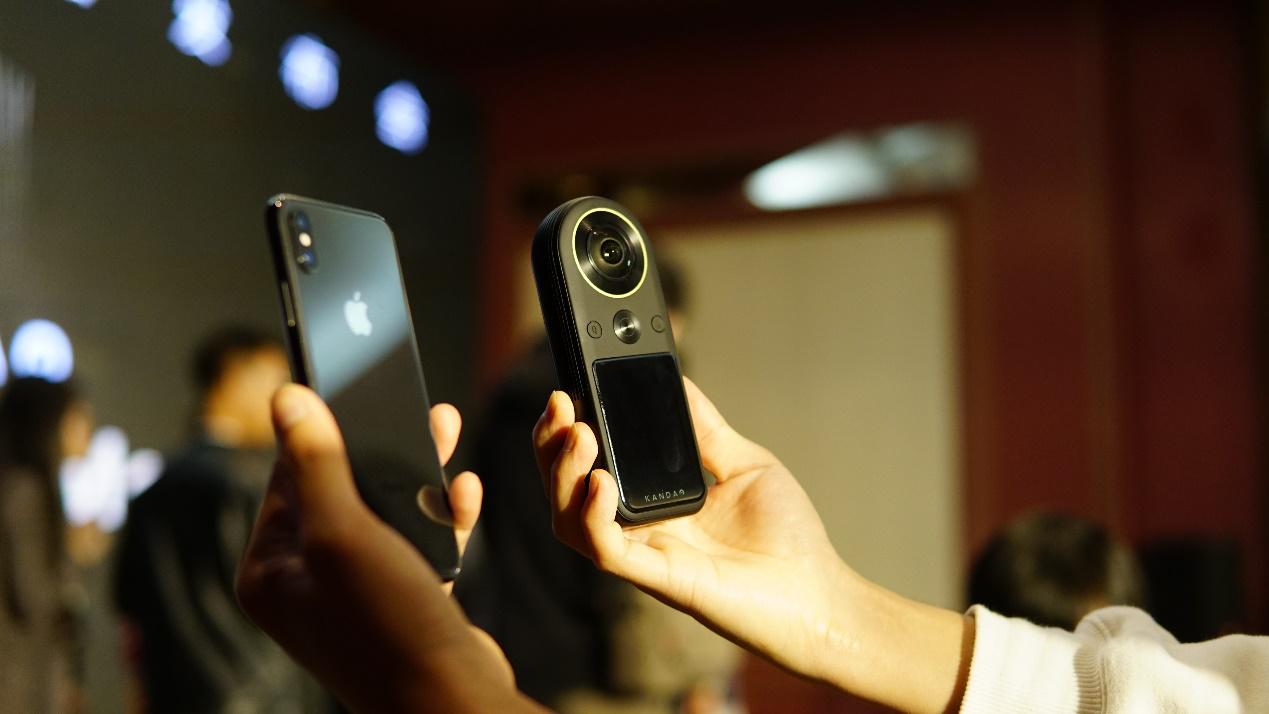支持8K VR摄影、一机多用,全球首款8K口袋全景相机来袭