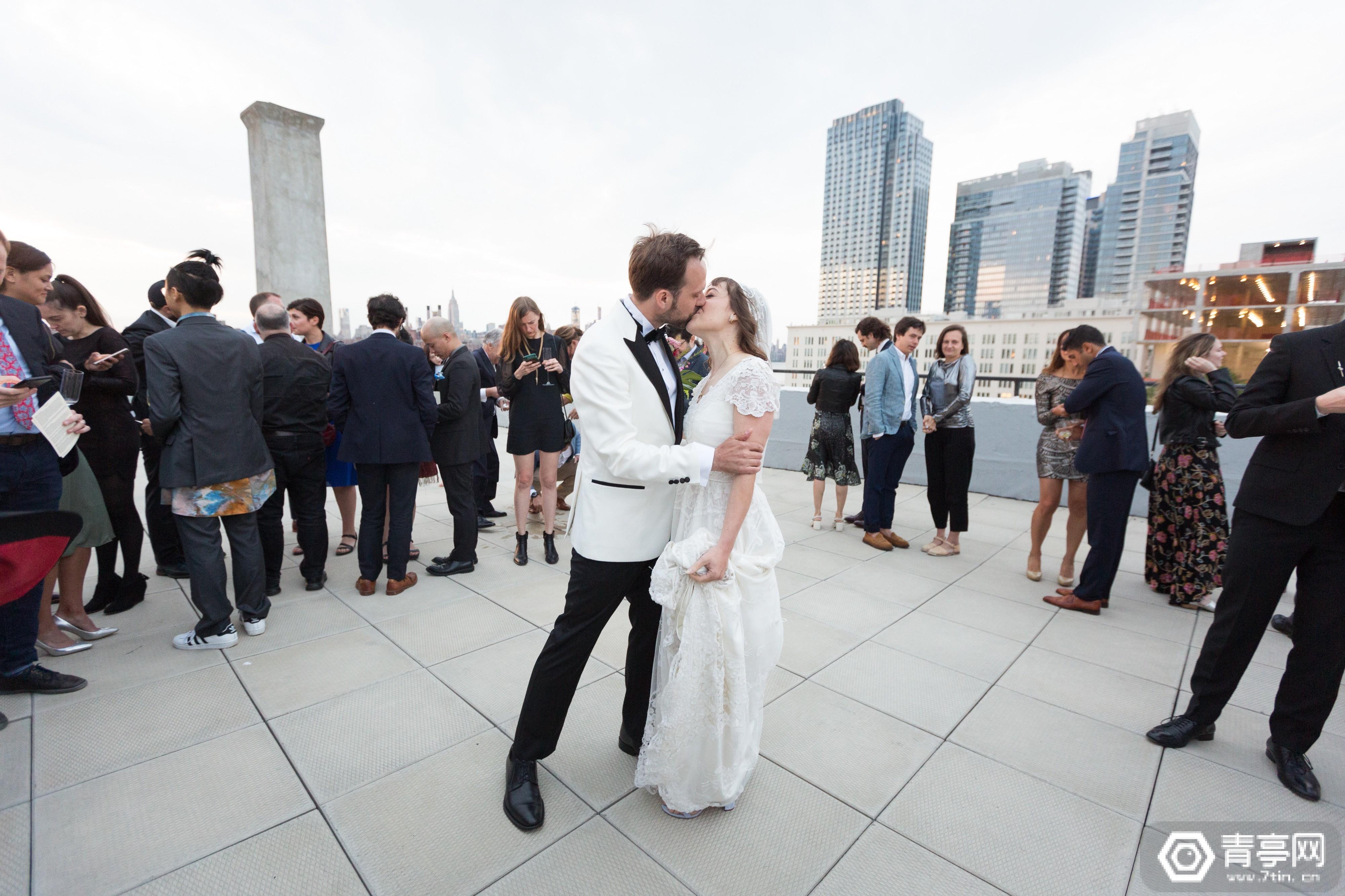 2D拍照out了,试试用全息摄影记录你的婚礼现场