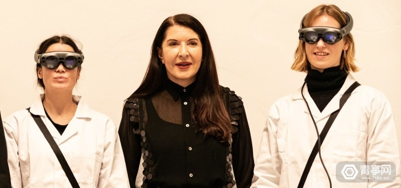 marina-abramovics-volumetric-art-piece-magic-leap-heads-for-christies-auction-block.1280x600