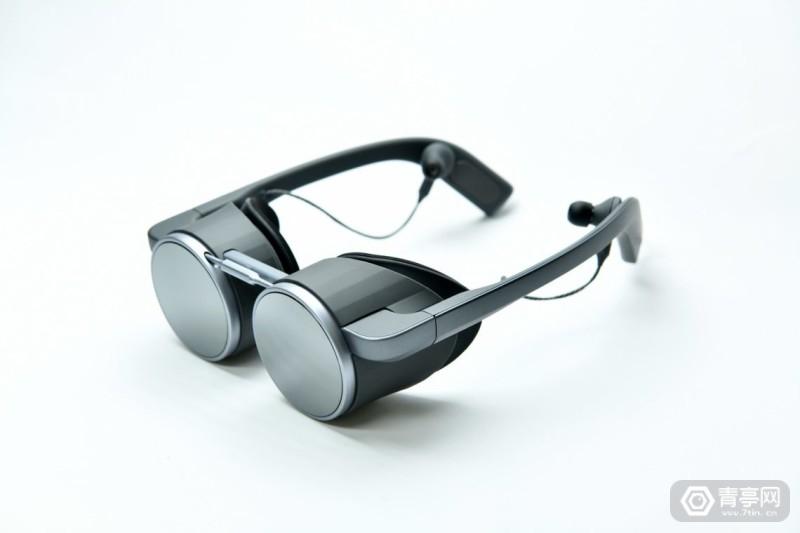 Panasonic Corporation of North America Main-VR-Glass-1---003