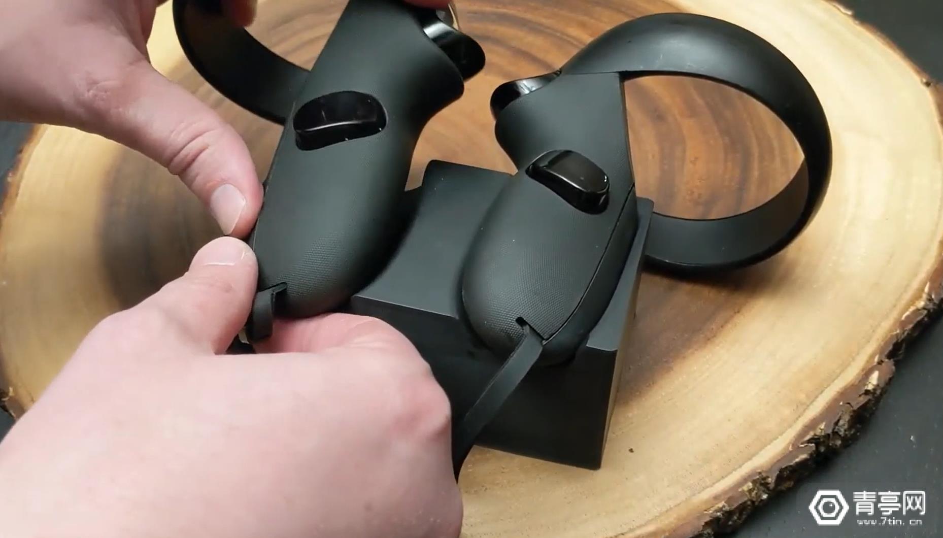 Oculus Quest充电适配套装来袭,可免拆卸充电