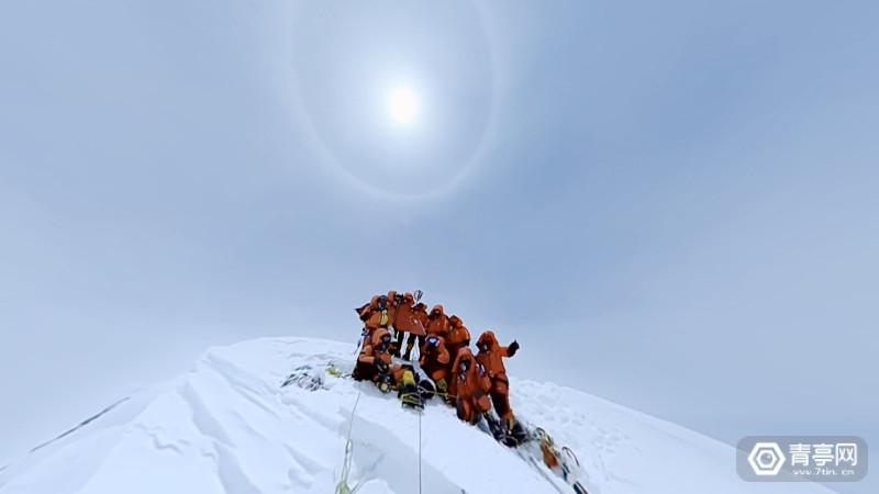 4-圆周率科技全景相机在珠峰峰顶进行VR移动直播